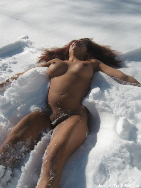 Naked Babes In Snow
